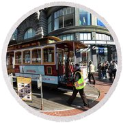 Cable Car At Union Square Round Beach Towel