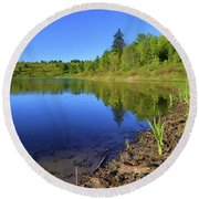 Round Beach Towel featuring the photograph Caledon Kettle Lake by Gary Hall