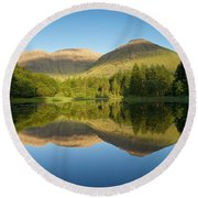 Californian Summer In Glencoe Round Beach Towel by Stephen Taylor