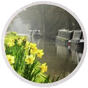 Canalside Daffodils Round Beach Towel