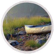 Canoe On The Rocks Round Beach Towel