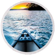 Canoeing In Paradise Round Beach Towel