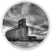Cargill Sunset In B/w Round Beach Towel