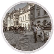 Carriages Back To Stephanplatz Round Beach Towel