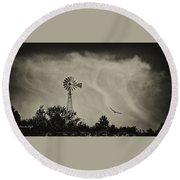 Catching The Updraft Round Beach Towel