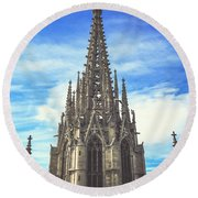Round Beach Towel featuring the photograph Catedral De Barcelona by Colleen Kammerer