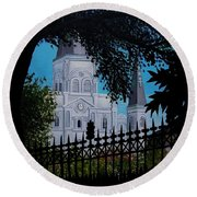 Cathedral At The Square Round Beach Towel