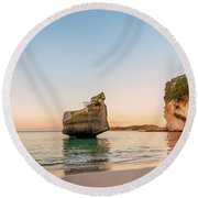 Cathedral Cove, New Zealand Round Beach Towel