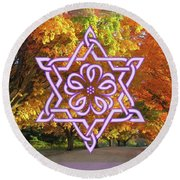 Celtic Hexagram Rose In Lavandar Round Beach Towel
