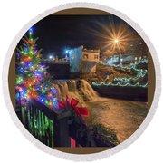 Chagrin Falls At Christmas Round Beach Towel