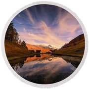 Chalet With An Autumn View Round Beach Towel