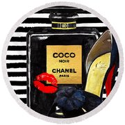 Chanel Perfume With Red Lips Round Beach Towel