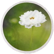Charming White Cosmos Round Beach Towel