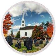 Chester Village Cemetery In Autumn Round Beach Towel