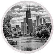 Chicago Lincoln Park Lagoon Black And White Round Beach Towel