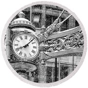 Chicago Marshall Field State Street Clock Black And White Round Beach Towel