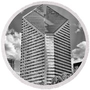 Round Beach Towel featuring the photograph Chicago Smurfit-stone Building Black And White by Christopher Arndt