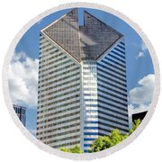 Round Beach Towel featuring the painting Chicago Smurfit-stone Building by Christopher Arndt