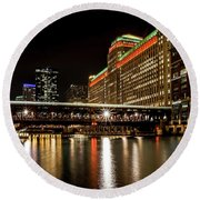 Chicago's Merchandise Mart At Night Round Beach Towel