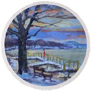 Chilly Sunset In Niagara River Round Beach Towel