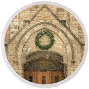 Christmas At Stone Chapel Round Beach Towel