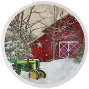 Christmas At The Barn Round Beach Towel