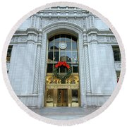Christmas In Chicago Round Beach Towel