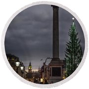 Christmas In Trafalgar Square, London Round Beach Towel