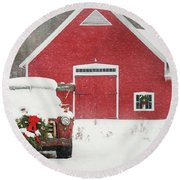 Christmas In Vermont Round Beach Towel