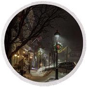 Round Beach Towel featuring the photograph Christmas Lamppost by Rod Best