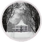 Christmas Season In The Park Round Beach Towel
