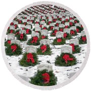 Christmas Wreaths Adorn Headstones Round Beach Towel