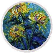 Chrysanthemums Etude Round Beach Towel