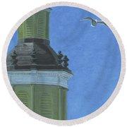 Church Steeple With Seagull Round Beach Towel