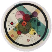 Circles In A Circle Round Beach Towel by Wassily Kandinsky