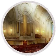 Round Beach Towel featuring the photograph City - Naval Academy - The Chapel by Mike Savad