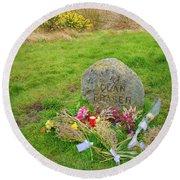 Clan Fraser Memorial Stone, Culloden, Scotland Round Beach Towel
