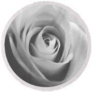Classic Bw Rose Round Beach Towel