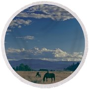 Classic Country Scene Round Beach Towel