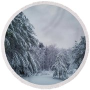 Classic Winter Scene In New England  Round Beach Towel