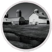 Classic Wisconsin Farm Round Beach Towel