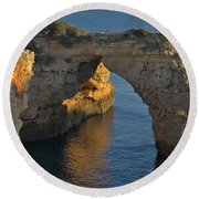 Cliff Arch In Albandeira Beach During Sunset 2 Round Beach Towel