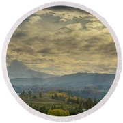 Clouds And Sun Rays Over Mount Hood And Hood River Oregon Round Beach Towel