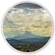 Cloudy Day Over Mount Hood At Hood River Oregon Round Beach Towel