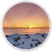 Cold Winter Sunrise Round Beach Towel