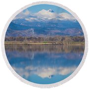Colorado Longs Peak Circling Clouds Reflection Round Beach Towel