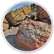 Colorful Boulders In The Bentonite Site On Little Park Road Round Beach Towel