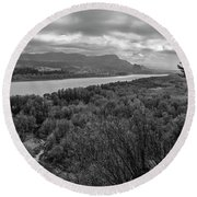 Columbia River Gorge Black And White  Round Beach Towel