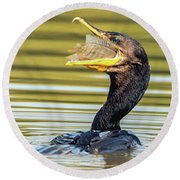 Cormorant With Fish 0977-111217-1cr Round Beach Towel