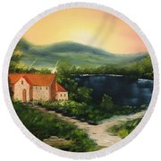 Cottage By Lake Round Beach Towel